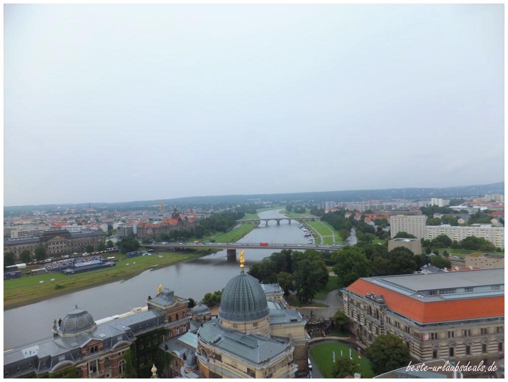 Blick-von-der-Frauenkirche-über-Dresden-