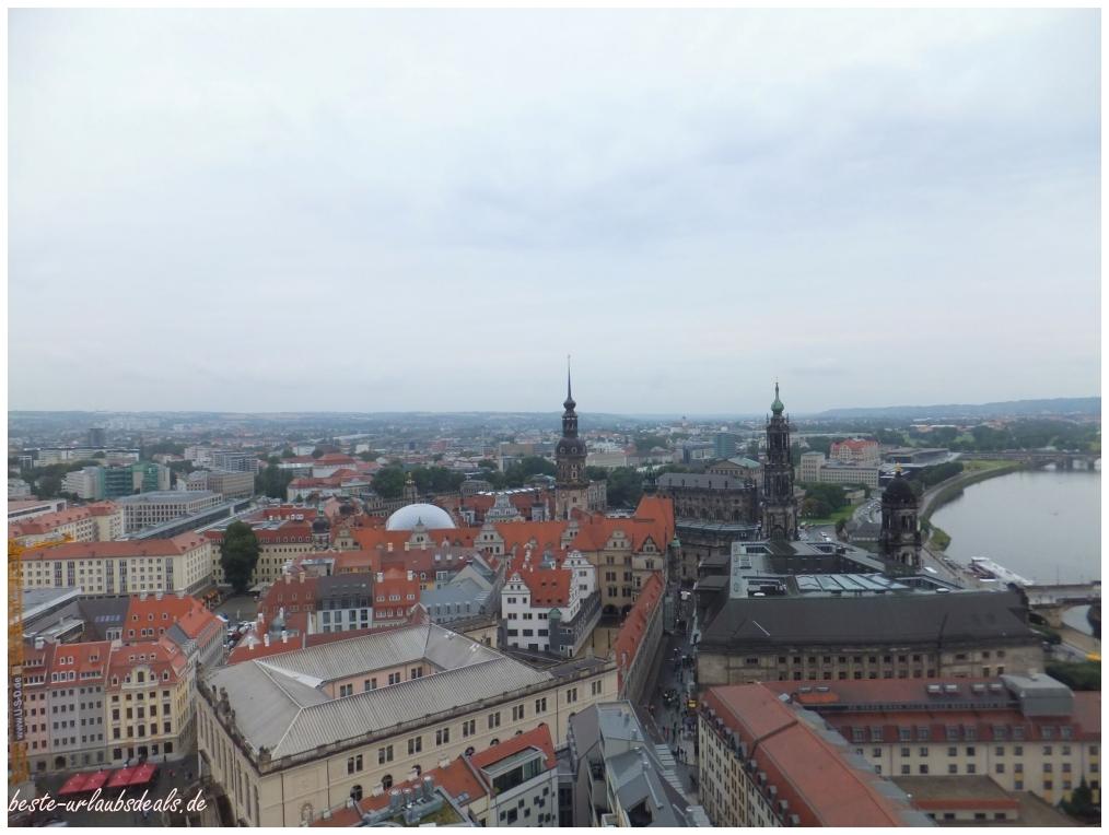 der Blick-von-der-Frauenkirche-über-Dresden-