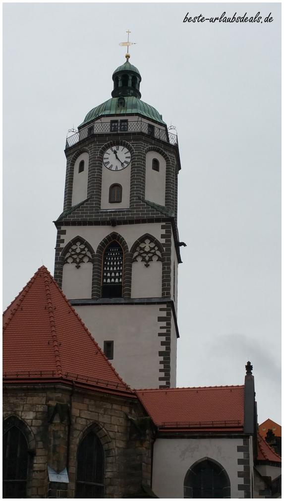Am Marktplatz die Frauenkirche Meißen